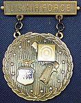 USAF Bronze EIC Pistol Badge with Wreath.jpg