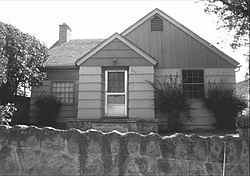 USFS Supervisor's Residence, John Day, Oregon, 1983.jpg
