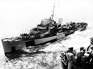 USS Kyne (DE-744) underway in the Pacific Ocean, in June 1945 (80-G-379052)