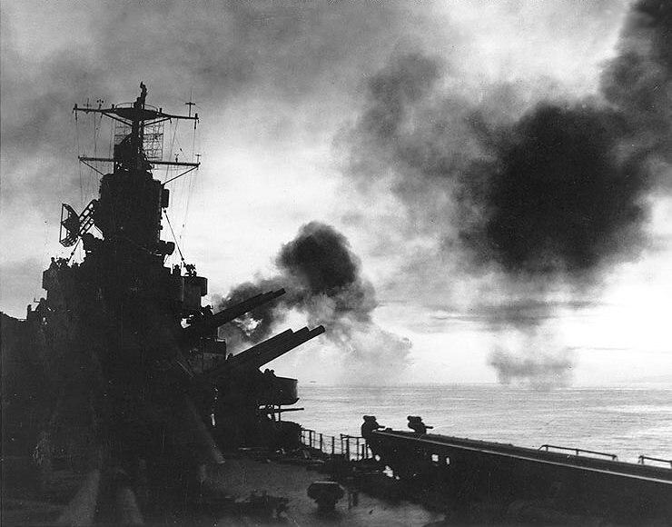 USS Phoenix (CL-46) during pre-invasion bombardment of Cape Gloucester