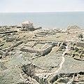 Uitzicht op Byblos met op de voorgrond ruïnes, op de achtergrond de Middellandse, Bestanddeelnr 255-6370.jpg