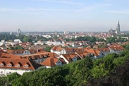 Panoramablick auf die Stadt Ulm vom Dach des Bischof Sproll Hauses aufgenommen