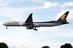 VT-JEK Boeing 777 Jet Airways (14601018778).jpg
