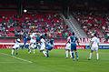 Valais Cup 2013 - OM-FC Porto 13-07-2013 - Envol sur coup franc 1.jpg
