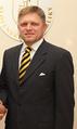 Valdis Dombrovskis tiekas ar Slovākijas premjeru Robertu Fico (8053988819) (croped).png