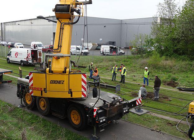 Valenciennes & Anzin - Déraillement de la rame de tramway n° 17 à la sortie du dépôt de Saint-Waast le 11 avril 2014 (108).JPG