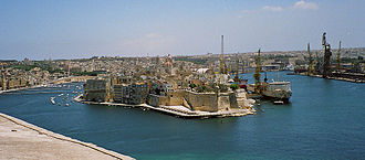Malta Dockyard - Valletta Harbour: Dockyard Creek (left) and French Creek (right) with the fortified city of Senglea between the two