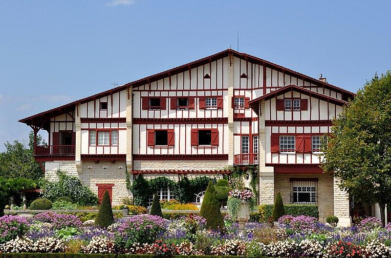 File:Villa Arnaga (Pyrénées Atlantiques).jpg