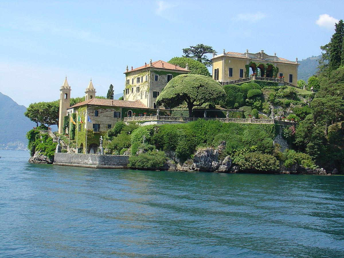 Ville Italie Bord De Mer Pied Volcan