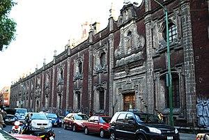 Colegio de San Ignacio de Loyola Vizcaínas - Part of the main facade of the building