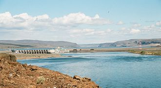 Wanapum Dam - Dam viewed from downstream on the west bank