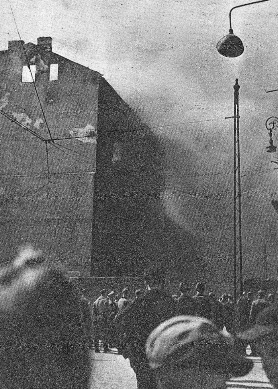 Warsaw Ghetto burning 1943 05
