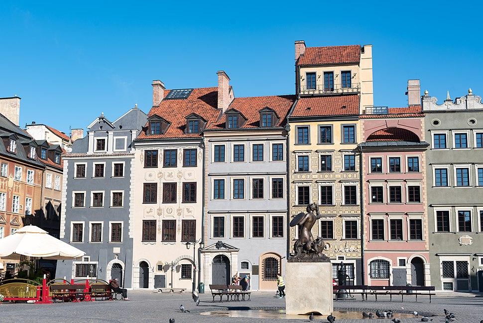 Warszawa, Rynek Starego Miasta 42-34 20170518 001
