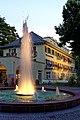 Wasserspiele an einem Sommerabend im Bad Mergentheim Kurpark. 01.jpg