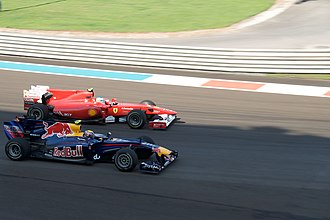 2010 Abu Dhabi Grand Prix - Early pit-stops by Mark Webber and Fernando Alonso did not help their championship chances, as progress up the order was slower than expected.
