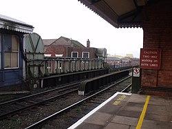 Worcester Foregate Street Station - Railway Bridge - Cafe Loco (6360234509).jpg
