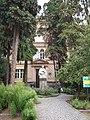 Будинок хімічного факультету УжНУ в якому був відкритий перший Закарпатський університет (мур.).JPG