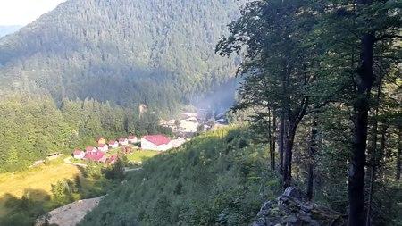 File:Вид на околиці Усть-Чорної.webm