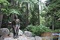 Памятник М. Горькому в Мисхорском парке. Скульптор Владимир Сергеев.jpg