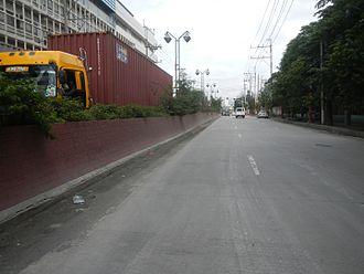 Quirino Avenue - Quirino Avenue extension looking south towards Plaza Dilao.
