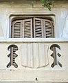 071 Cal Jaques (Mollerussa), balcó i escut.JPG