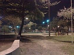 Praça Delfos (Praça B) em Curicica a noite