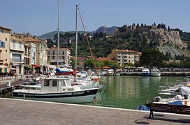 13260 Cassis, France - panoramio.jpg