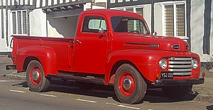 1949 Ford F-3 3.9 Front.jpg