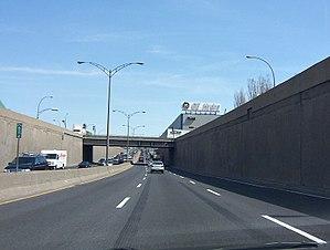 Quebec Autoroute 20 - Image: 1st ave east