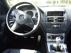 2007 Mercedes-Benz C300 Avantgarde (W204) interior 01.jpg