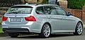 2008-2011 BMW 320i (E91) Touring (2011-04-02).jpg