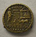 201209071748d Berlin Pergamonmuseum, Bronzemünze Caracalla in Pergamon, FO Pergamon, kaiserzeitlich, 214-215 u..Z.jpg
