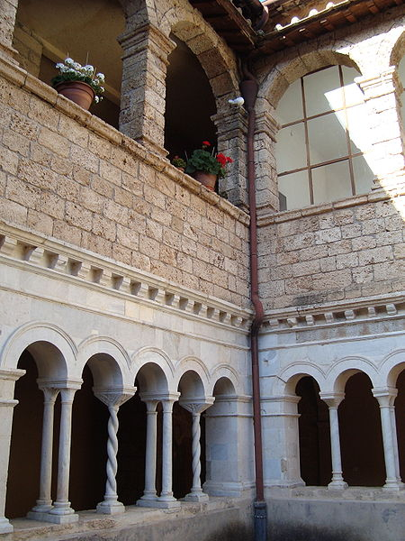 Fitxer:2e cloitre Abbaye de Subiaco.JPG