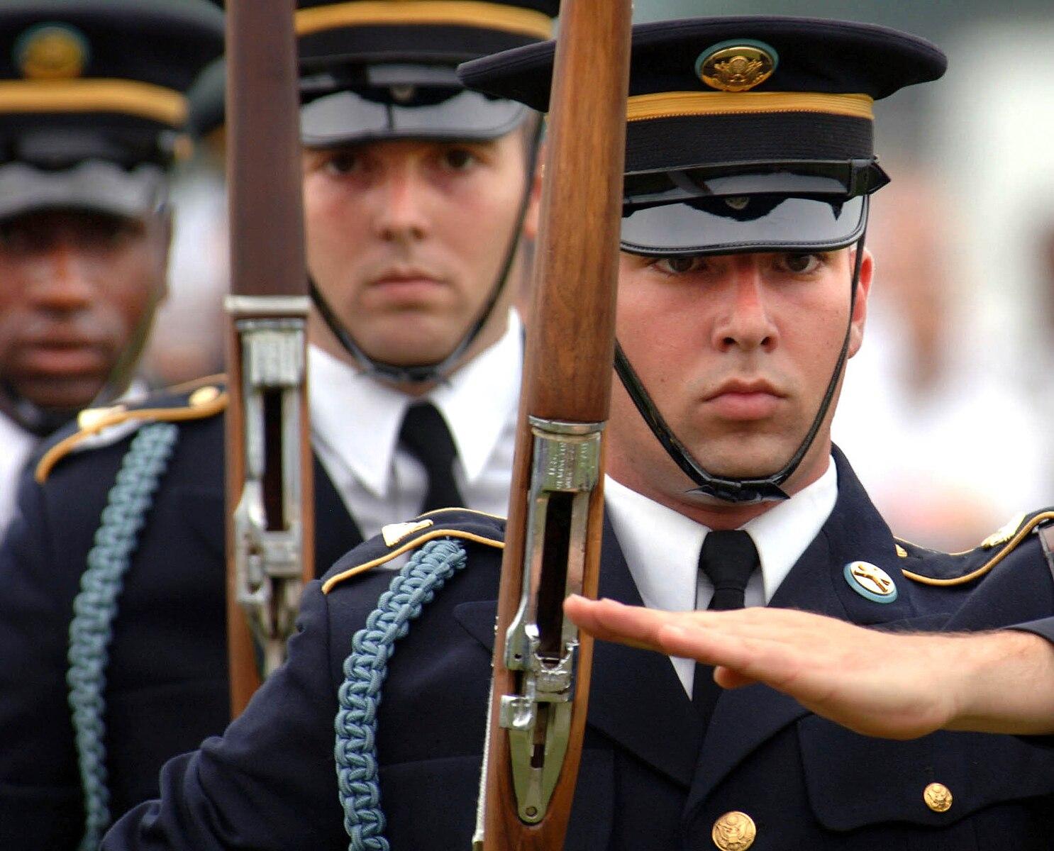 Смешные картинки военного мужчины куда можно вставить фото лица, ночи живые