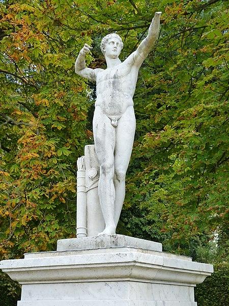 File:40 Bogenschütze - Neues Palais Sanssouci Steffen Heilfort.JPG