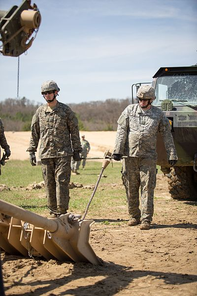 File:443rd vehicle recovery at Fort Mccoy 140510-A-TW638-599.jpg