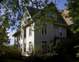 "Carl Sandburg - Sandburg rented a room and lived for three years in this house, where he wrote the poem ""Chicago"". It is now a Chicago landmark."