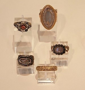 Mourning ring - Five mourning rings Made between 1745 and 1826
