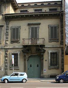 Casa crespi corso venezia wikipedia for 2 piani di casa storia con maestro al piano principale
