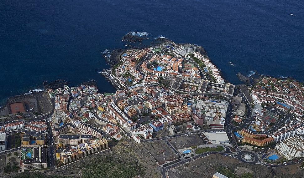 A0224 Tenerife, Los Gigantes aerial