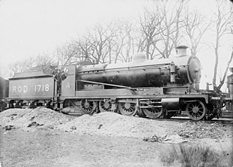 ROD 2-8-0 - ROD 1718 with Australian Broad Gauge Company soldiers at Couchil-le-temple 22 January 1919.