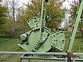 AWietze Deutsches Erdölmuseum grüne Pumpe Detail.jpg