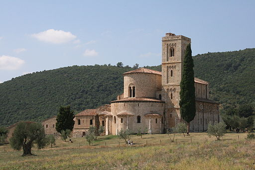 Walking from Montalcino to Sant'Antimo