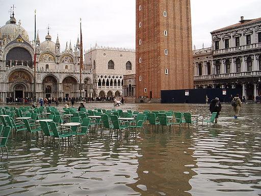 Acqua alta in Piazza San Marco-original