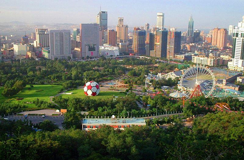 Fichier:Aerial view of Dalian, China.JPG
