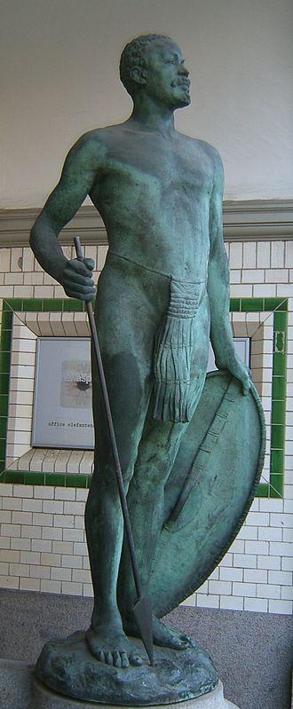 Afrikahaus (Hamburg) - Sculpture of an African warrior by Walter Sintenis