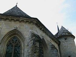 Agnicourt-et-Séchelles église fortifiée (choeur face nord) 1.jpg