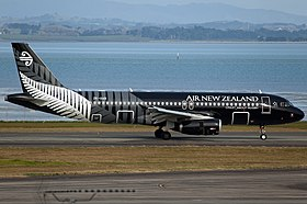 Air New Zealand Airbus A320 Nazarinia-2.jpg