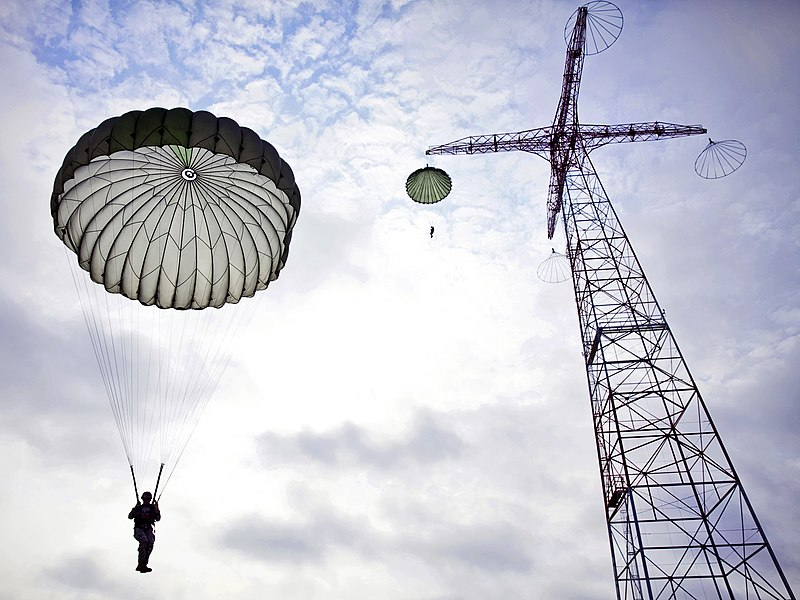 Airborne school (9516647992).jpg