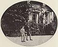 Albert, Joseph - Prinz Otto mit gefangenen Hechten im Hof von Schloss Hohenschwangau (Zeno Fotografie).jpg